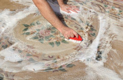 como se limpian las alfombras de vinilo